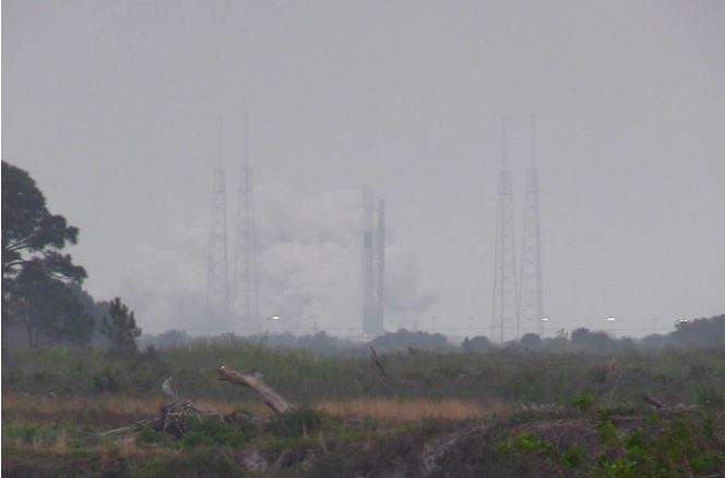 SpaceX test-fires Falcon 9 rocket for Starlink launch Sunday